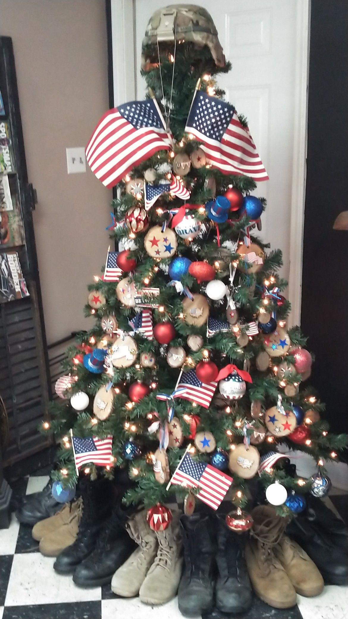 Pin By Aracely Leal On Marine Christmas Tree Patriotic Christmas American Flag Wood Marine Christmas