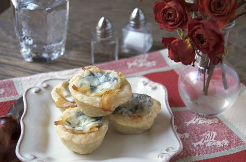 Bleu Cheese Chicken Tartlets + Ile de France cheese GIVEAWAY!