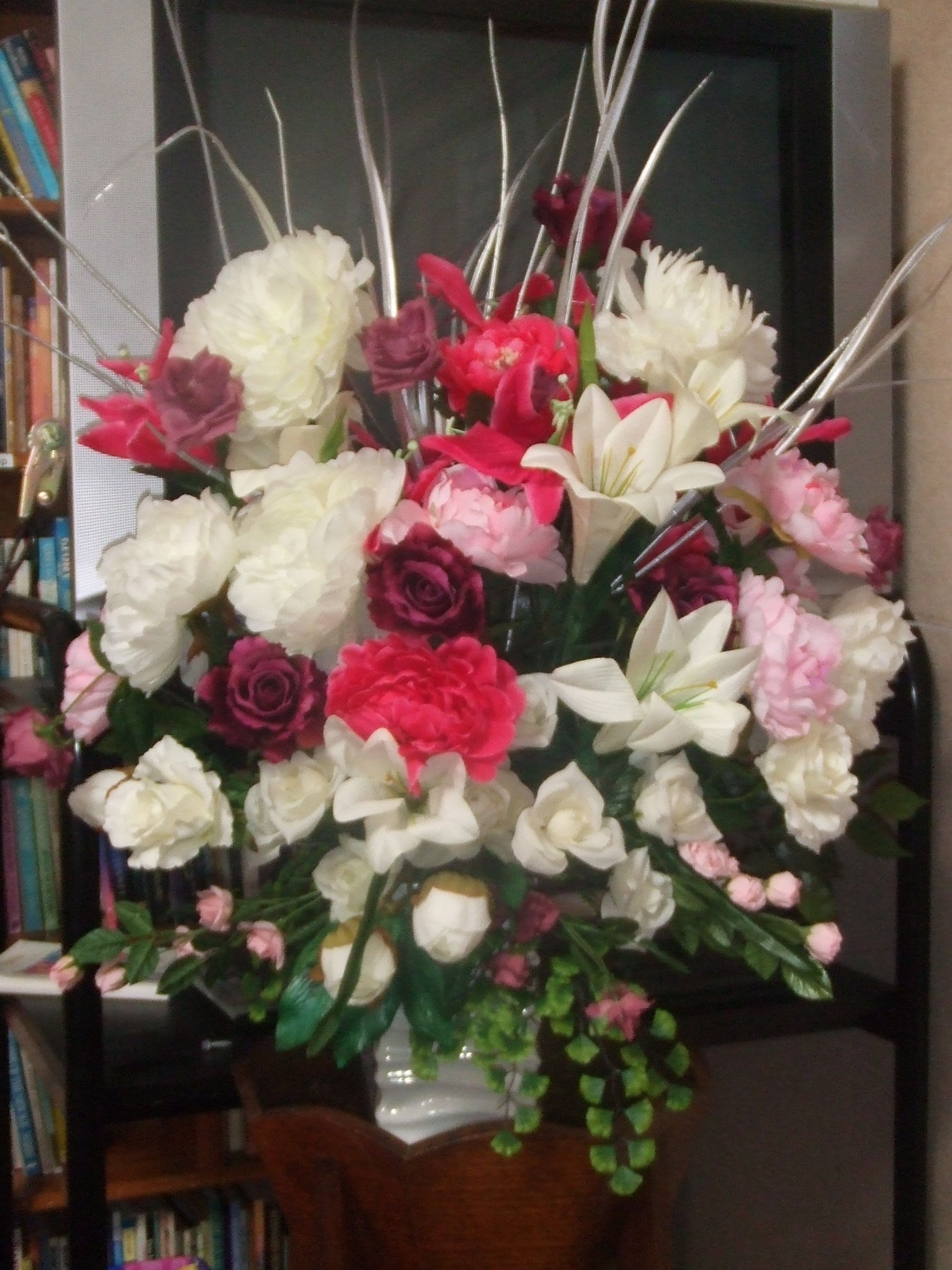 A fresh flower arrangement done for the reception hall
