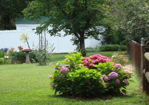 DIY Memorials: Planning a Loved One\'s Memorial Garden | backyard ...