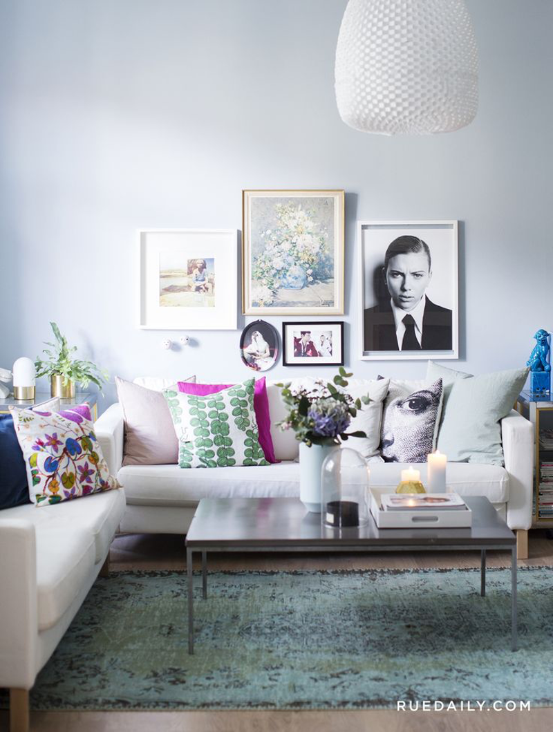 Interieur farbgestaltung des raumes feast your eyes  living rooms in any color but white