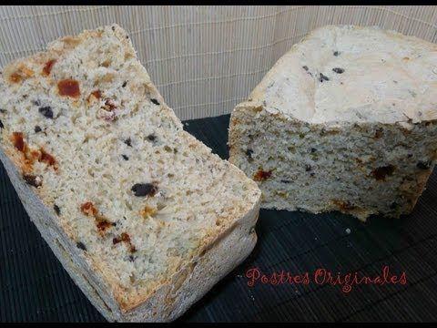 Pan de aceitunas negras, tomates secos y orégano ...