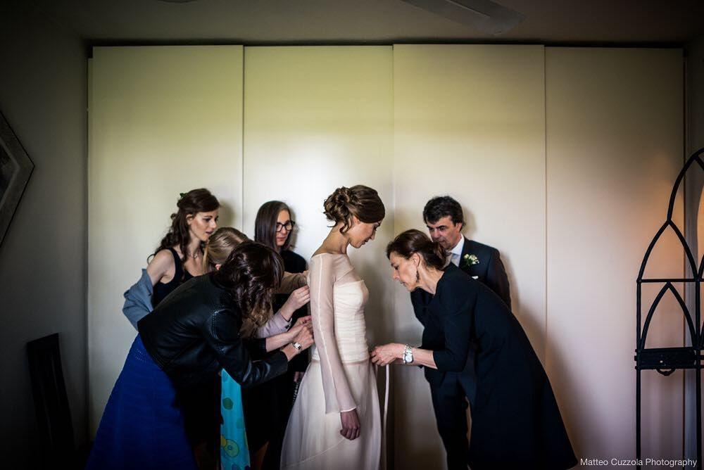 #workinprogress #comingsoon #bride #gettingready #wedding #lakecomo #weddininitaly #italy #weddingphotographer