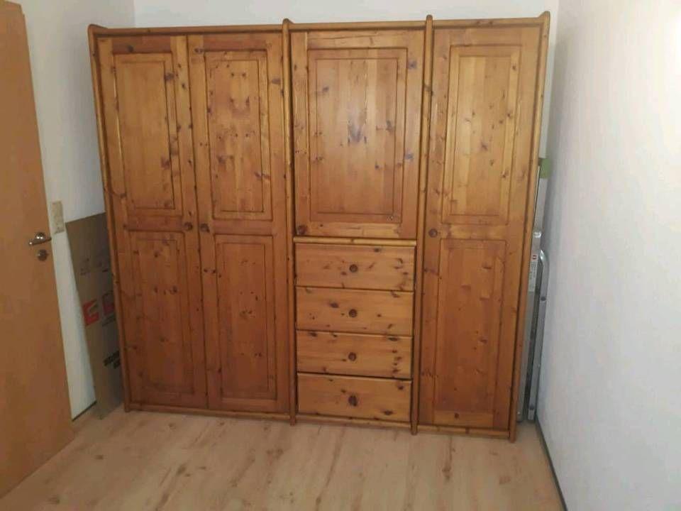 Fichte Massiv Schlafzimmer Schrank Bett Und Nachtschrank In Nordrhein Westfalen Mohnesee Schlafzimmer Schrank Nachtschrank Schrank