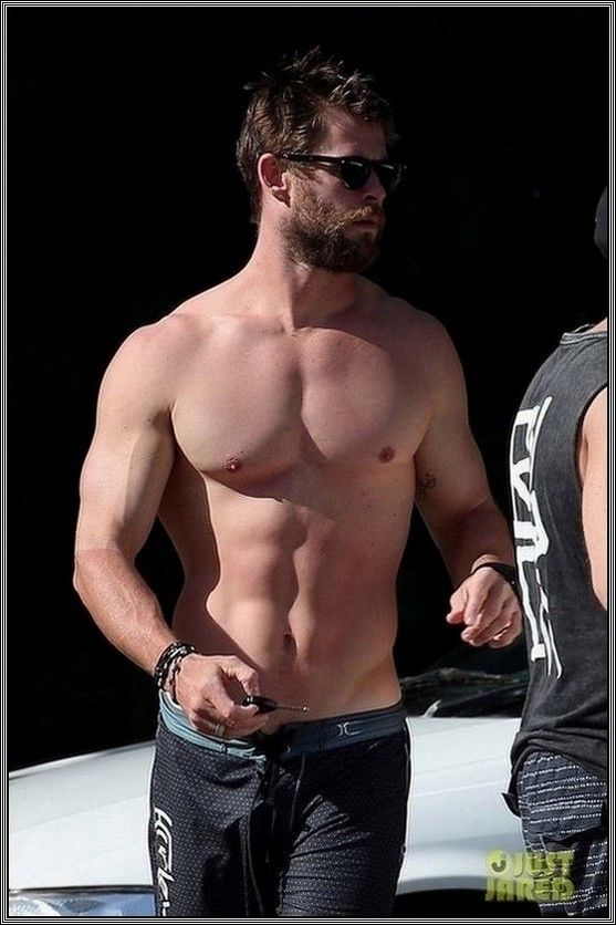 Thor In The Flesh Chris Hemsworth With Images Chris Hemsworth Hemsworth Chris Hemsworth Thor