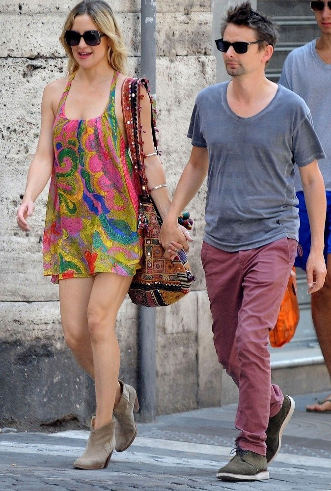 Kate hudson photos photos kate hudson and matt bellamy take a walk kate hudson and matt bellamy take a walk in rome voltagebd Image collections