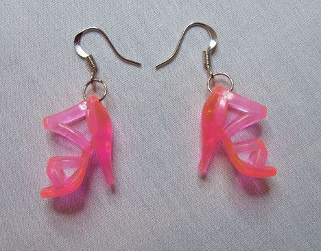 Pink Barbie shoe earring, who might just love these?!?! @Angela Bethers