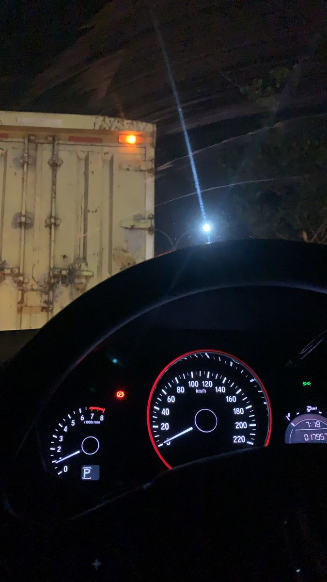 Pin oleh saraaaa di Drive | Perjalanan malam, Fotografi ...