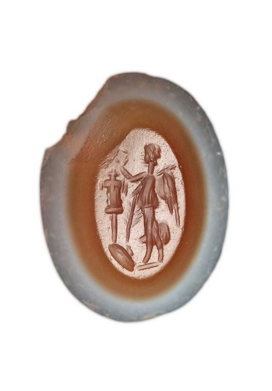 Victory Crowning a Tropaion. Roman engraved gem, 2nd century. Agate. | Ptuj Ormož Regional Museum