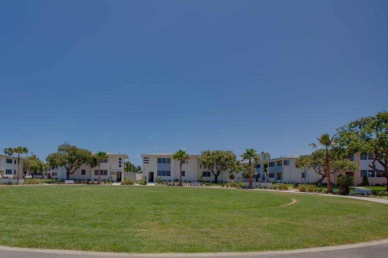 Elkgrove Circle Is A Resident Park Located In The Venice Apartments At Lincoln Place Saltwater Pool Venice Places