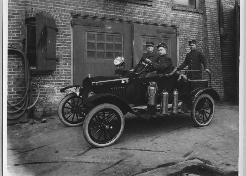 San Jose Police - Vintage Police Car. ☆。☆。JpM ENTERTAINMENT ...