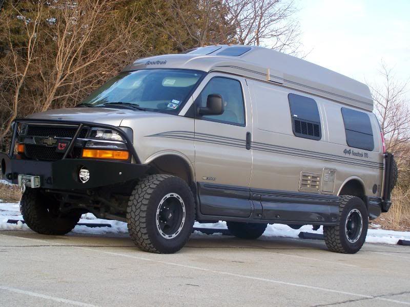 2006 Chevy Express Van 3500 4x4 Quigley Roadtrek Aluminess Front
