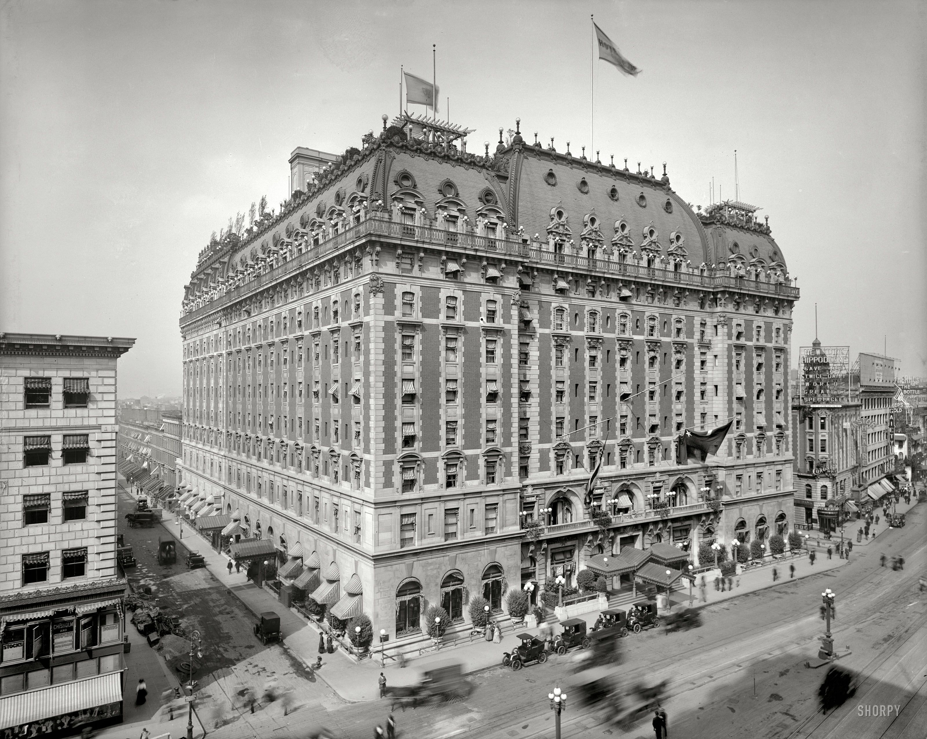 Hotel Astor, NYC (1904-1967) Broadway and 44th Street, 1909