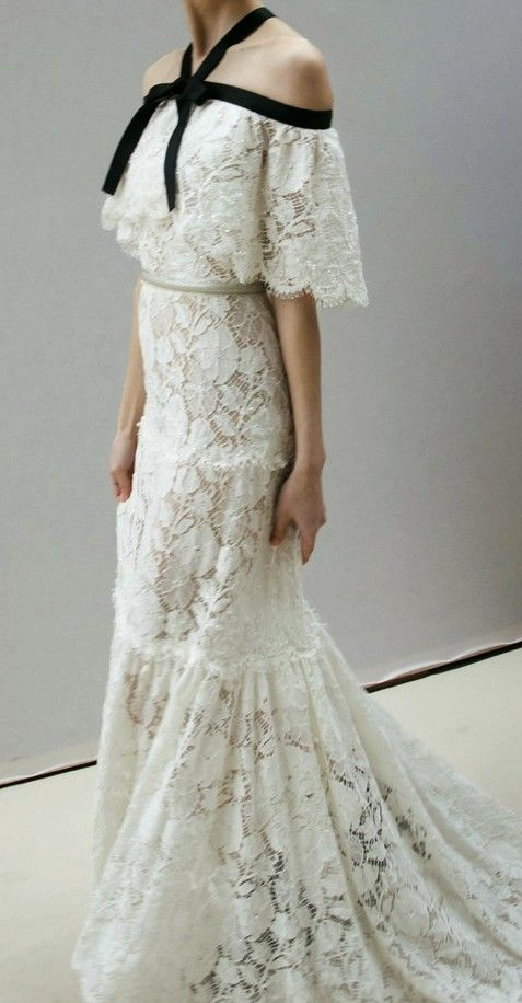 Chanel gown runway couture pinterest gowns romantic for Coco chanel wedding dress