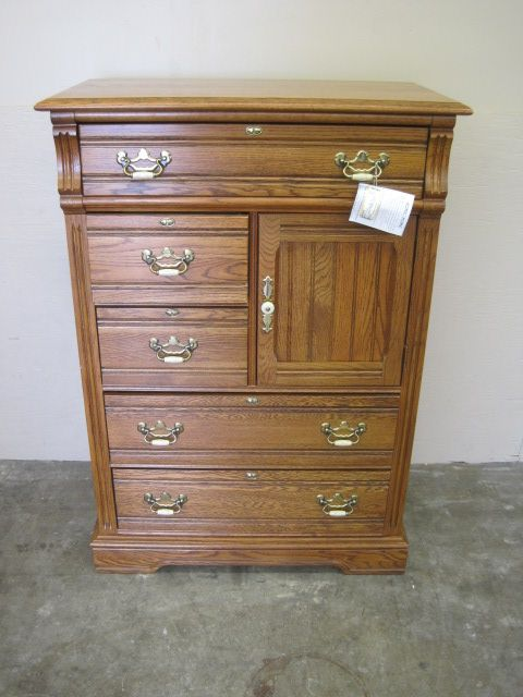 Best 36 X 19 X 52 Solid Oak Chest Of Drawers Has Top Drawers 640 x 480