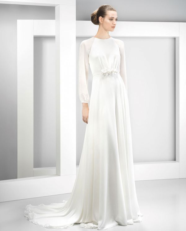 12 Wedding Dresses With Long Sleeves