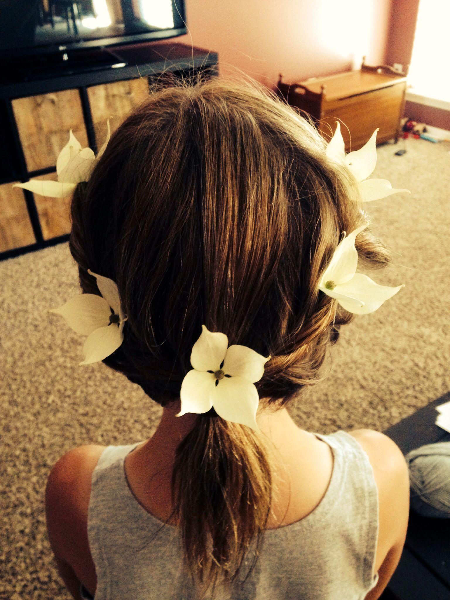 Flowers in her hair :)