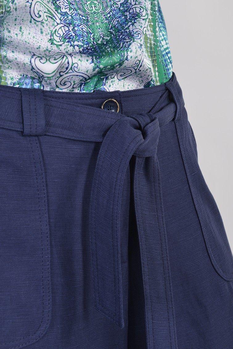 Panama pantalon 7 8 - Antonelle Réf   17PB5935 Pantalon coupe cigarette  longueur 7 8e en lin PANAMA. Doté de découpes devant avec 2 poches passe-poilées  en ... 6c6de62eb62