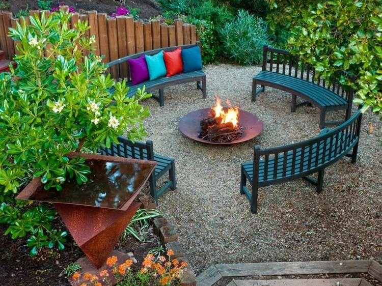 Im Garten eine Feuerschale aufstellen *garden outdoor living - feuerschale im garten