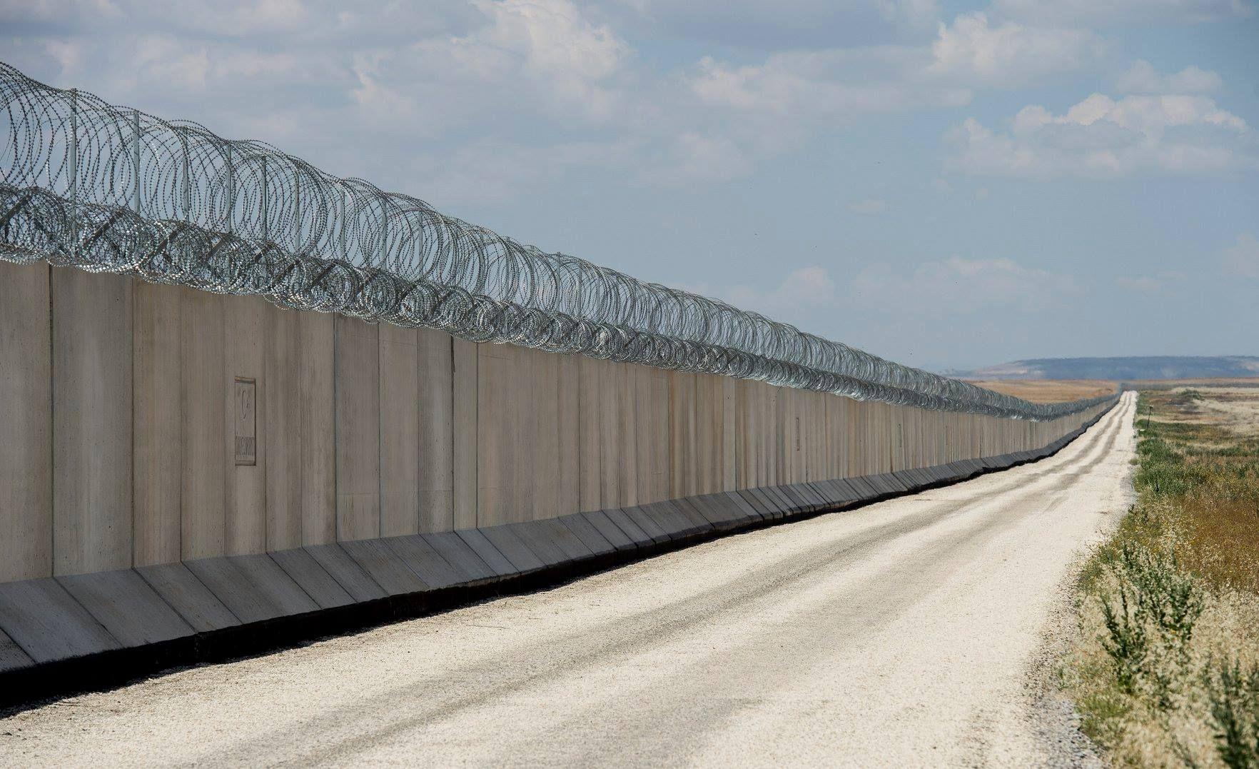 تركيا تنتهي من بناء جدار على طول حدودها مع سوريا صور بوابة عرب ترك Structures