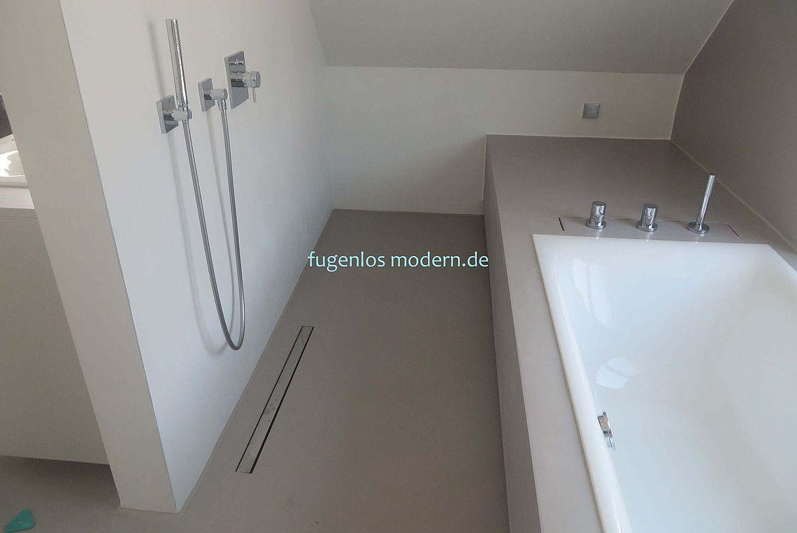 Fugenloses Bad Bodengleiche Dusche Neben Badewanne By Fugenlos