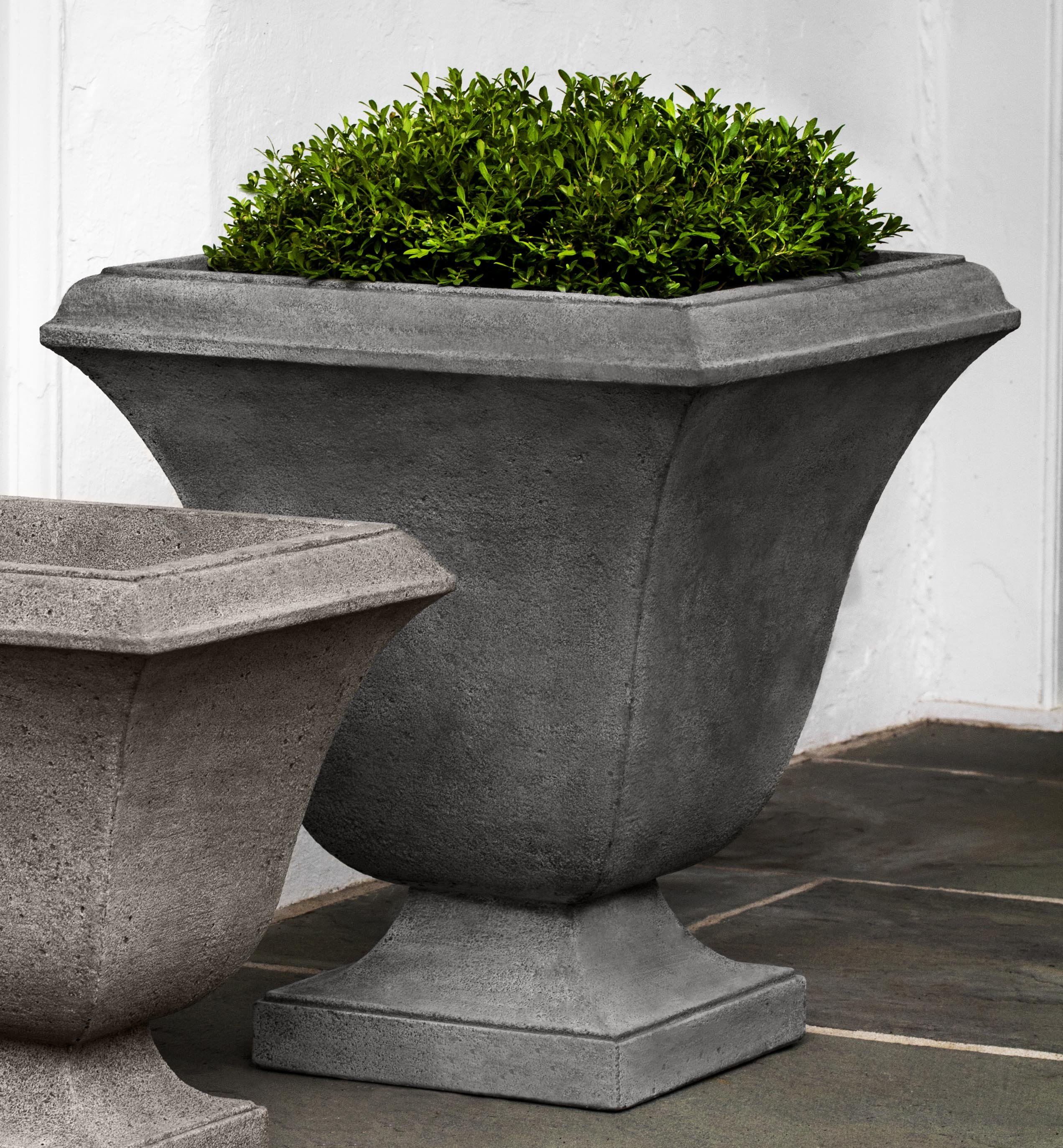 cfm hayneedle pedestal master product international greenwich with urn planter campania
