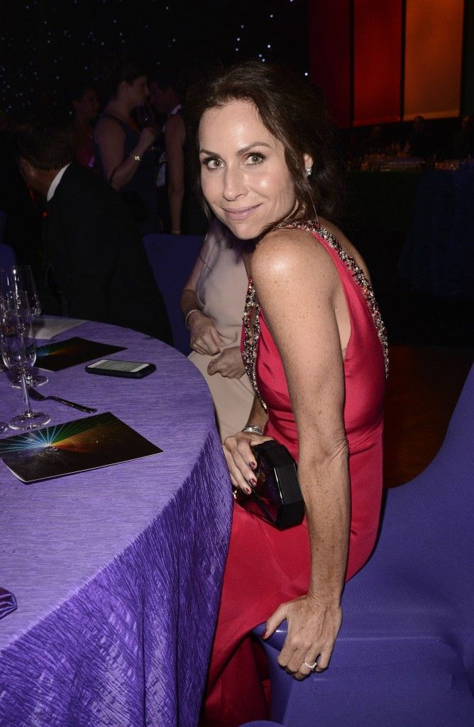 Minnie Driver in red Marchesa gown