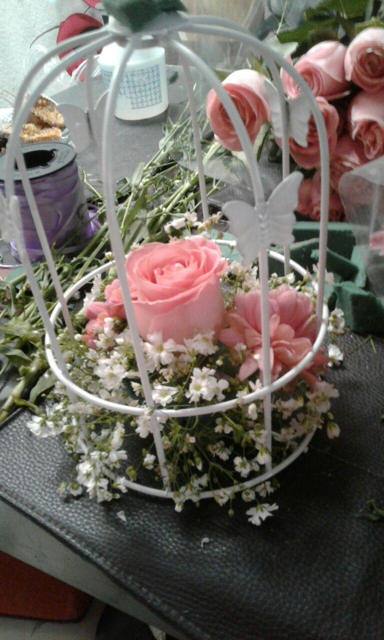 Centro de mesa vintage decoracion con nube rosas y for Como hacer adornos con plantas artificiales