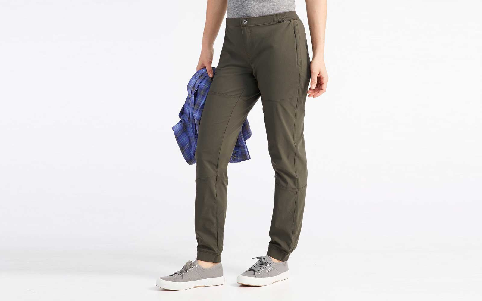 02ff5d9983 The Best Travel Pants for Women Who Hate Flying in Jeans | Eight pairs of  joggers, jeggings, and hiking pants that can easily take you from brunch to  the ...
