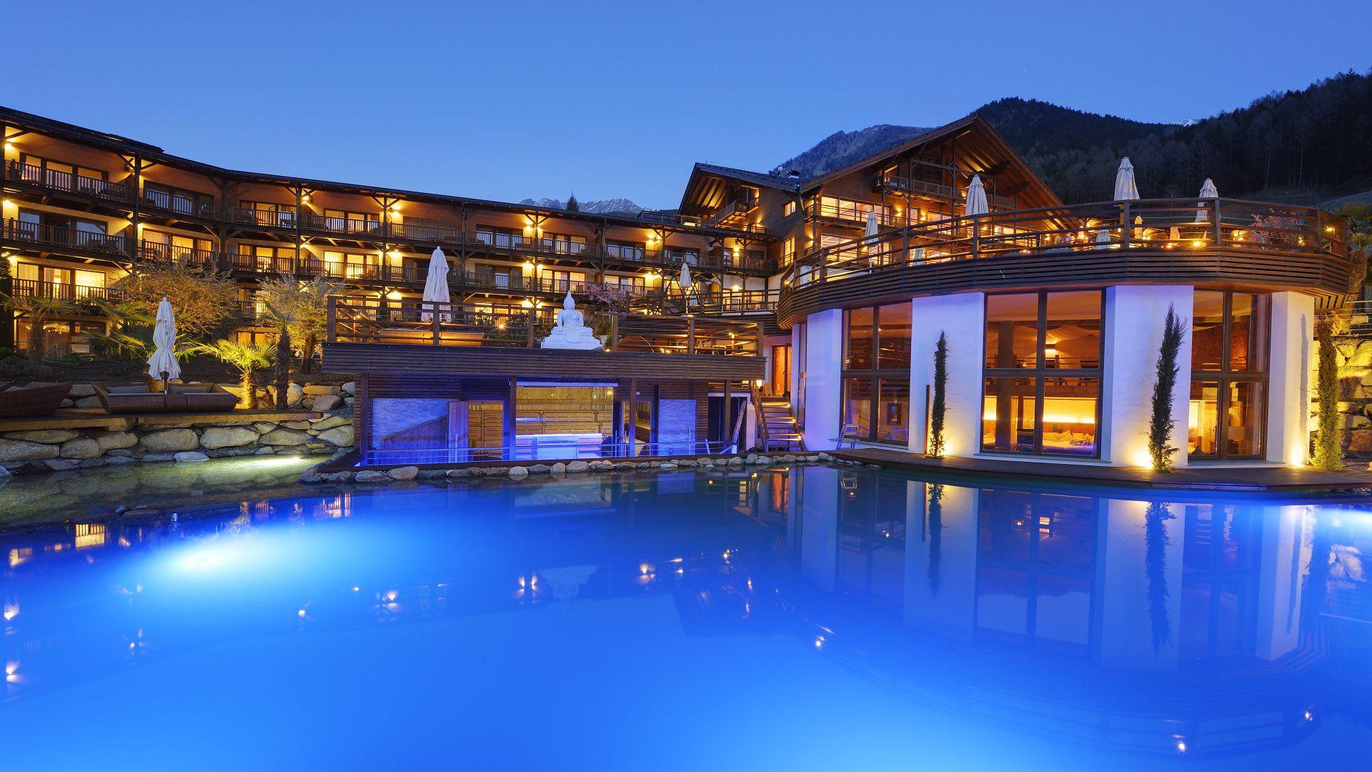 Wellness resort und golfhotel s dtirol golf und for Design wellnesshotel sudtirol