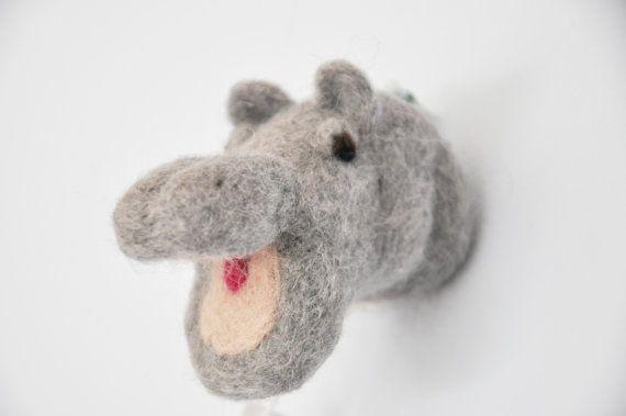 Happy Hippo: Nijlpaardhoofdje met open mond voor aan by BSofies