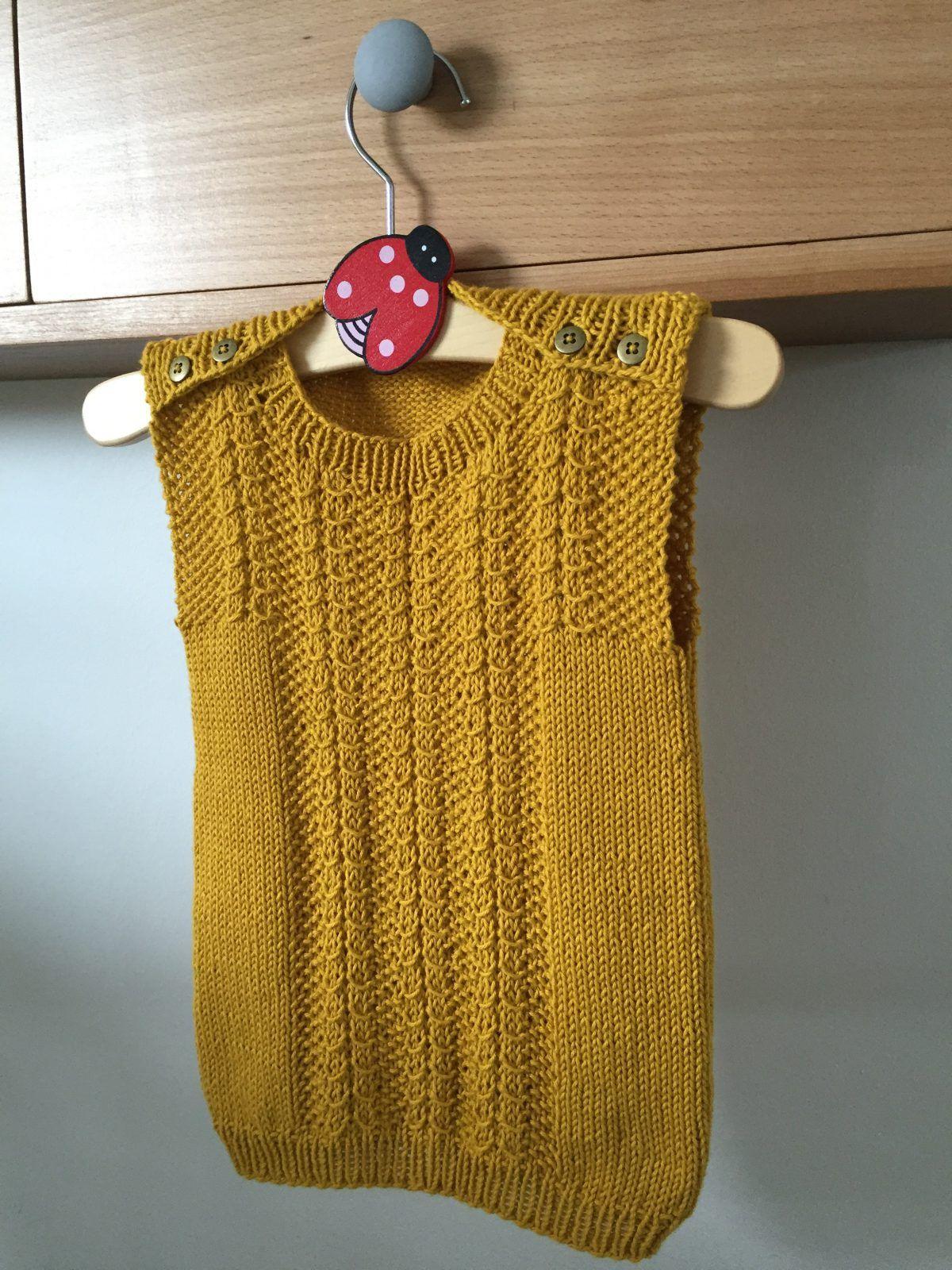 strikket baby vest