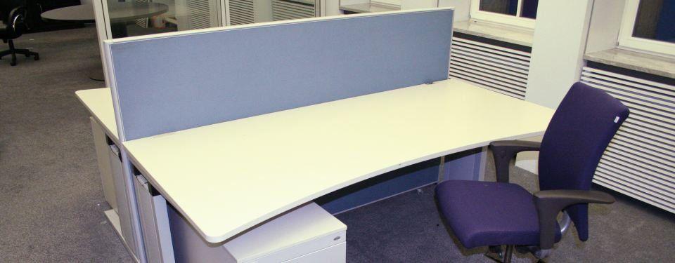 Büromöbel Großposten Mit 500 Kompletten Büro Arbeitsplätzen Von