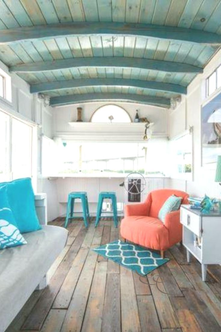 The Cutest Little Houseboats You Can Rent Right Now   The Cutest Little Houseboats You Can Rent Right Now