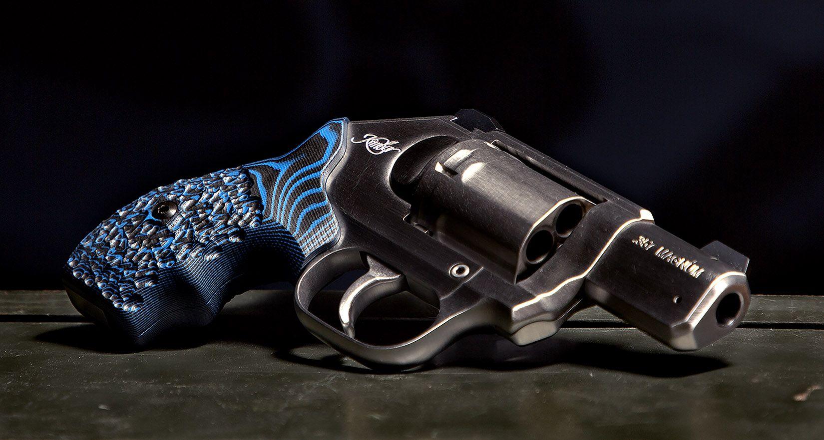 VZ Grips Blue black stipple grip on a Kimber K6 Cyclone