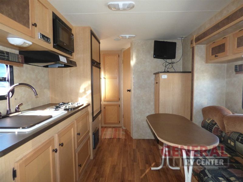 Coyote Lite Travel Trailer By KZ W/Rear Corner Bath Including Angle Shower,  Lav. W/Medicine Cabinet U0026 Toilet, Double Wardrobe, Booth Dinette.