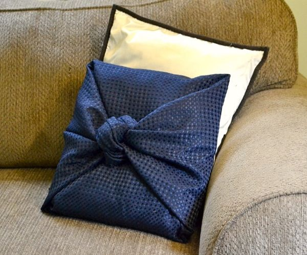 No-sew DIY that is cute and affordable! Diy Throw PillowsNo ... & No-sew DIY that is cute and affordable! | Sewing diy Pillows and ... pillowsntoast.com