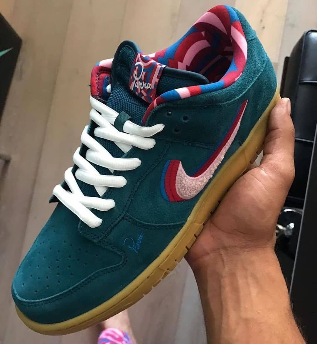 Sneakerjagers On Instagram This Picture Just Surfaced Another Edition Of The Nike Sb Dunk Low Parra This Colorway Is Probably The Friends Zapatillas Tenis
