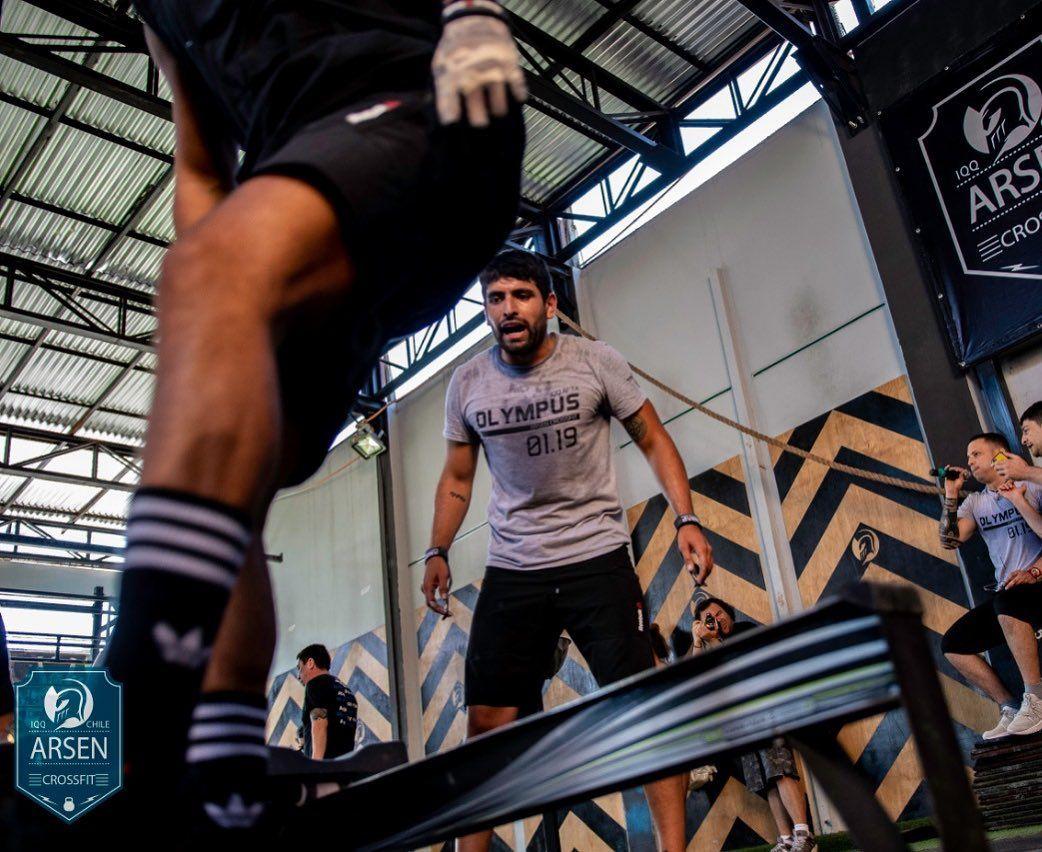 Si alguien te grita arriba!!! Confía en él 😉#sabado #olympusboxgym #crossfit #iquique #fitness