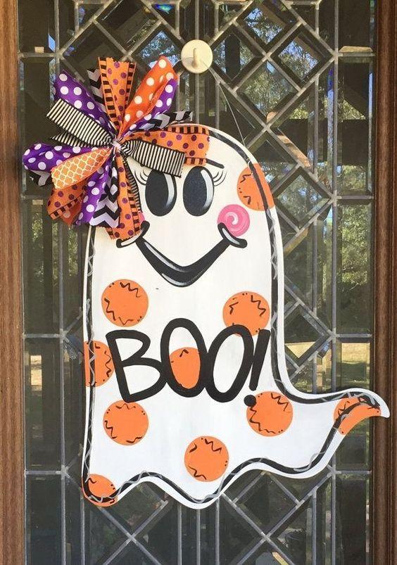 How to Make Halloween Door Decorations #halloweendoordecorations