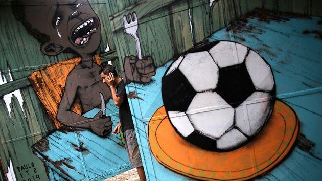 12 mordaces grafitis del Mundial de Brasil