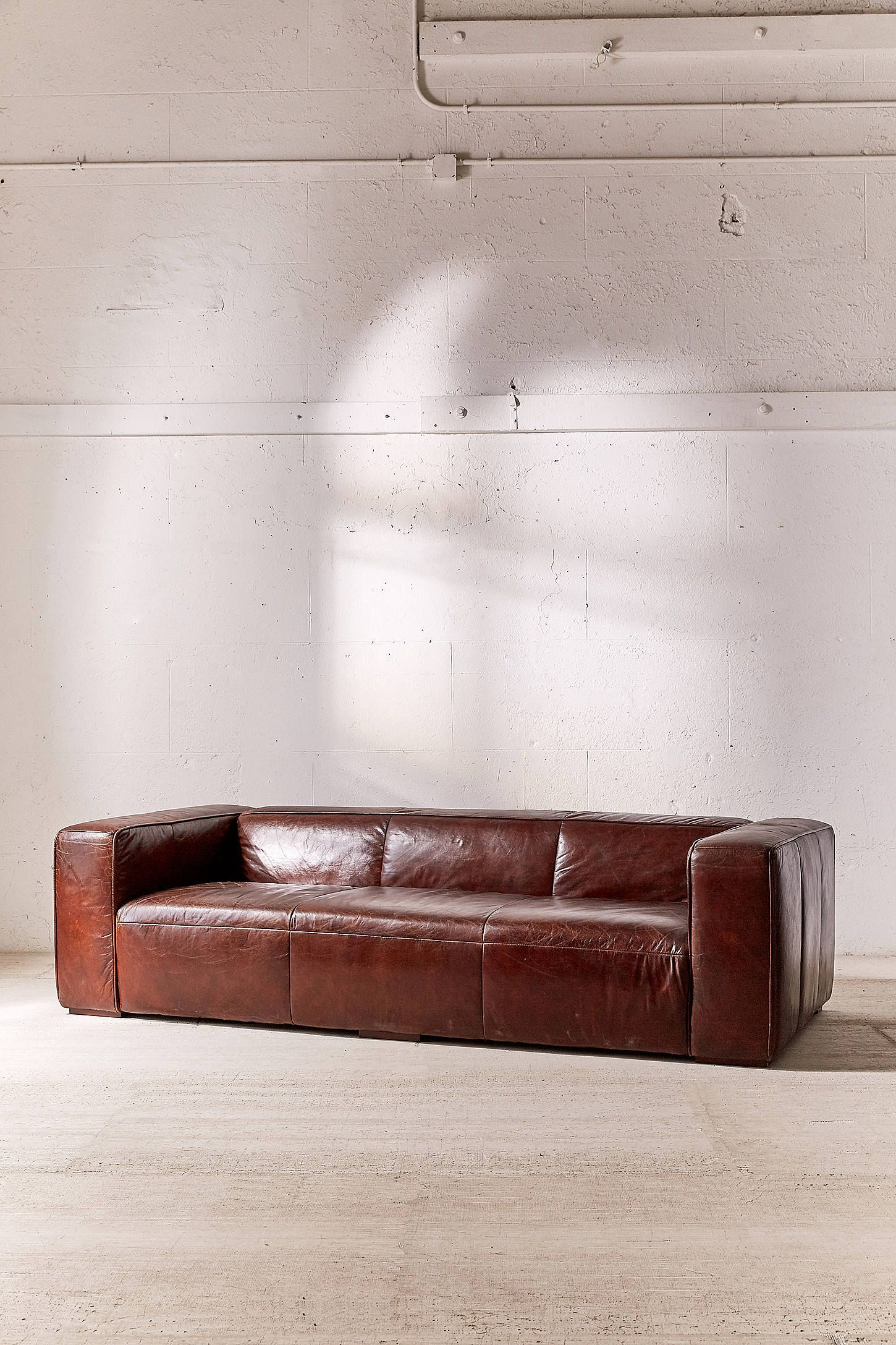Baker Leather Sofa At Urban Outers Today We Carry All The Latest Styles Colors And Brands For You To Choose From Right Here