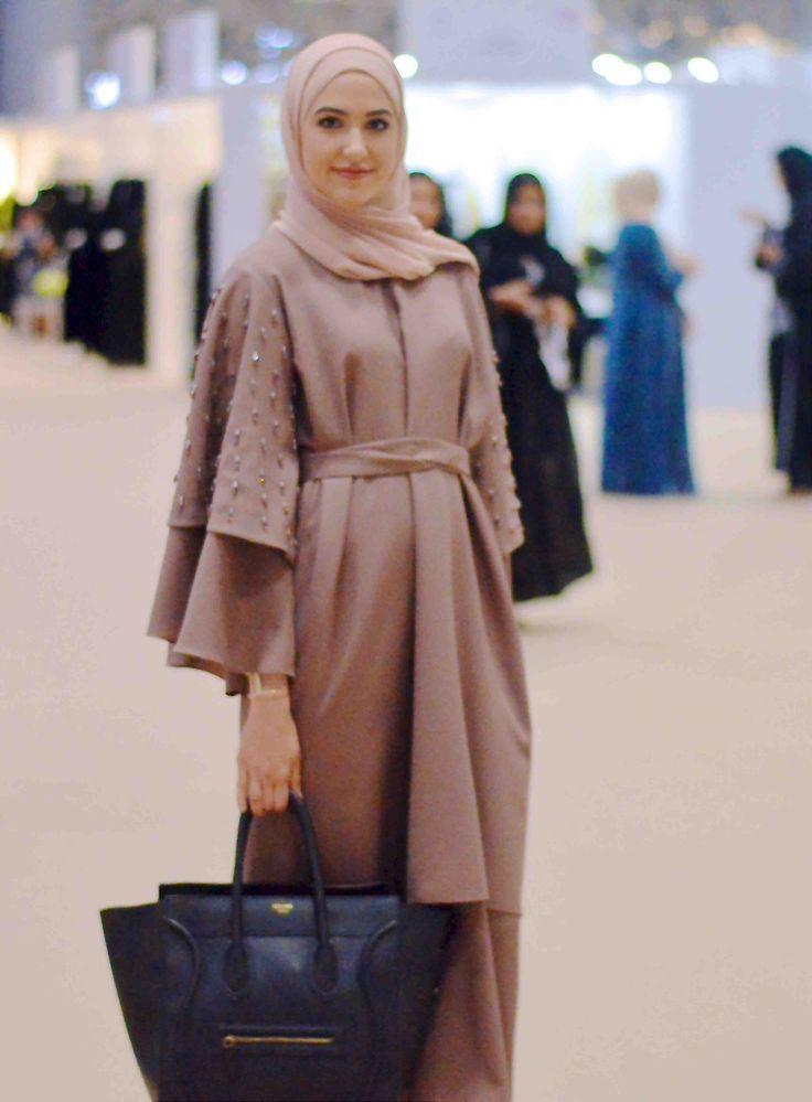 With Love, Leena. – A Fashion + Lifestyle Blog by Leena Asad Pinned via With Love, Maya.   Pinterest: { /withlovemaya/ } Jubah & Abaya