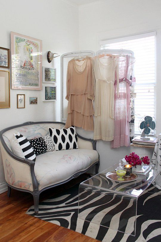 8 Tips for Mixing Styles at Home (Without Looking Like a Crazy