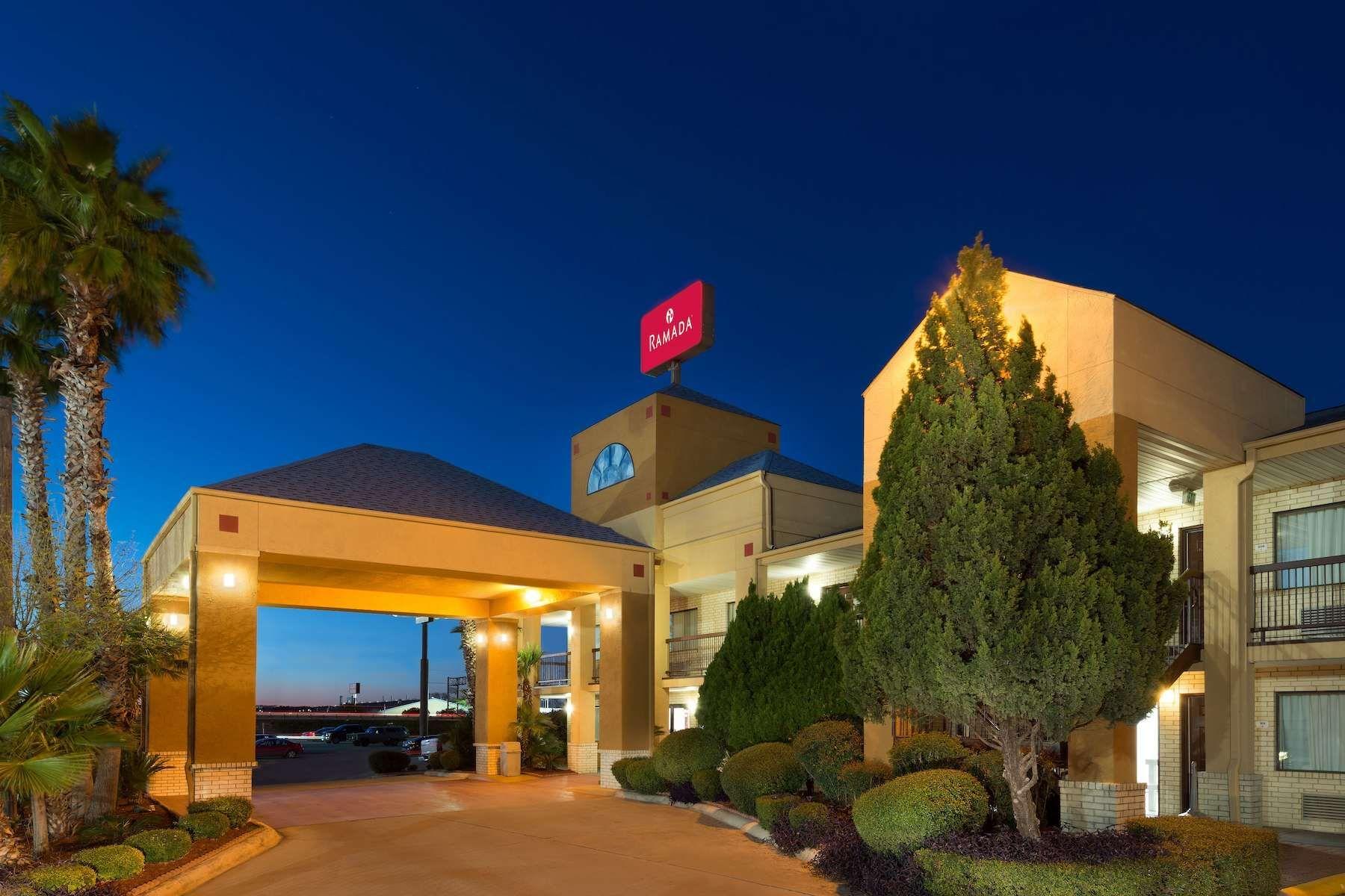 When you need beautiful San Antonio Hotels near SeaWorld