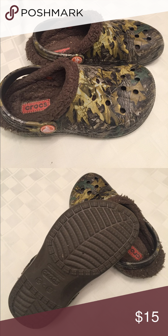 0e19695bf6dfa AUTHENTIC CROCS Lots of wear left in these fur lined classic camo Crocs.  Size 12 13. Smoke free home. CROCS Shoes