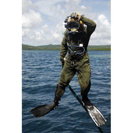 Us Navy Diver Jumps Off A Dive Station Canvas Art Stocktrek Images 23 X 35 Navy Diver Diver Diving