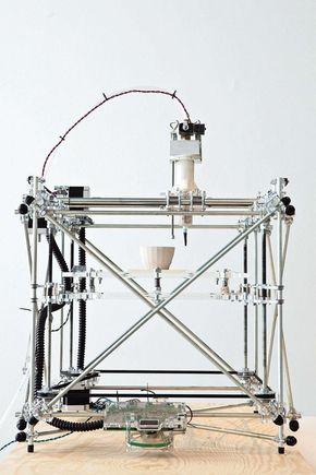 OpenStructures: the 3D ceramics printer via open-source project RepRap. Photo Kristof Vrancken /© Z33