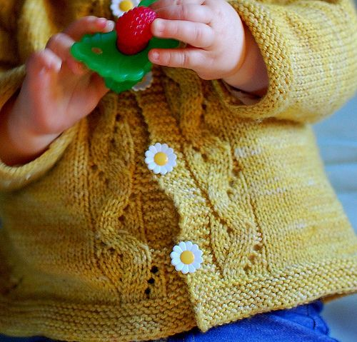 Knitted Bliss: Sunnyside Baby Cardigan (free pattern from Tanis Lavallee!)