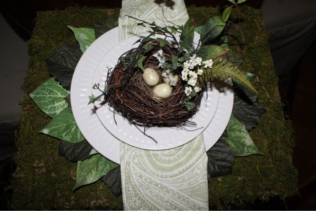 Rowhouseblog.com: Moss Covered And Leaf Charger DIY